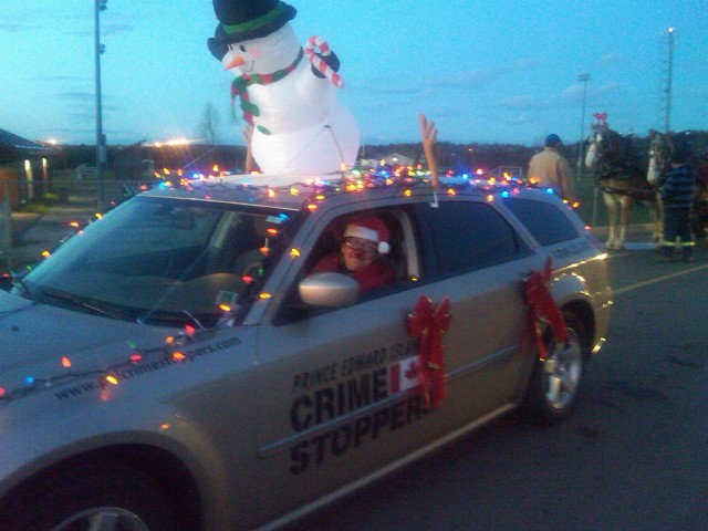 Mrs. Claus aka volunter Jeannie Pitts guides our ride!
